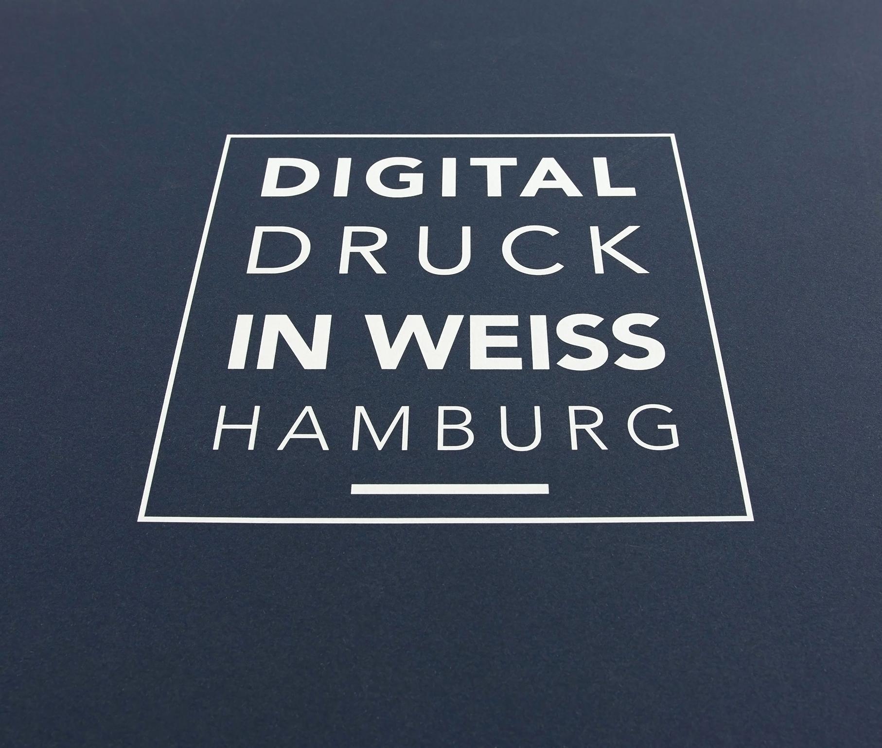Digitaldruck mit Weiß auf blauem Papier Hamburg Homepage
